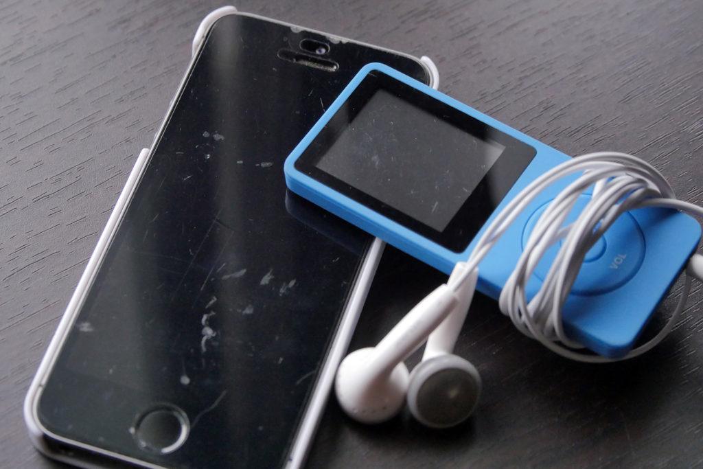 音声学習に使用したiPhoneとMP3プレーヤー